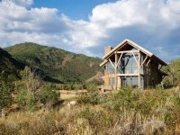 Modern Meets Rustic In This Eco-Friendly Mountain Home - Enpundit