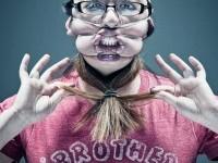 Fotógrafo dispensa o Photoshop e usa elásticos para fazer caricaturas reais