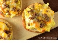 English Muffin Breakfast Pizza Recipe | Buzz Inspired