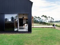 Modern Barn Form by Red Architecture on Inspirationde