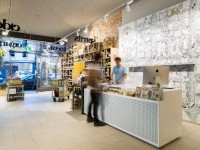 Glamshops visual merchandising & shop reviews - Wine Republic store in Windsor by Red Design Group